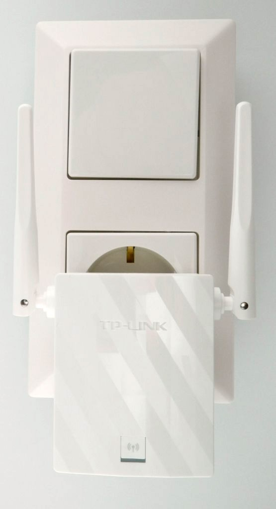 Der TP-LINK WA855RE angeschlossen